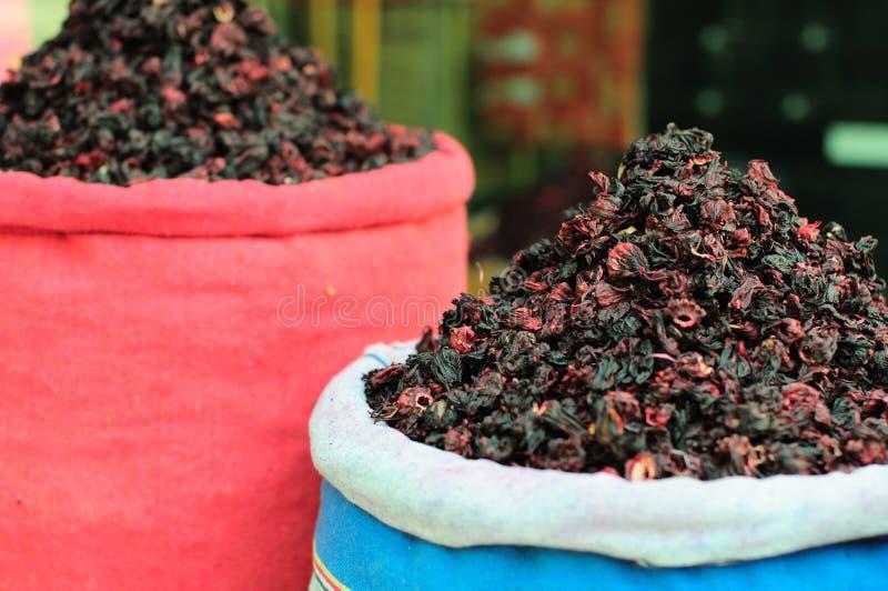 Markt op de thee van de straathibiscus stock afbeelding