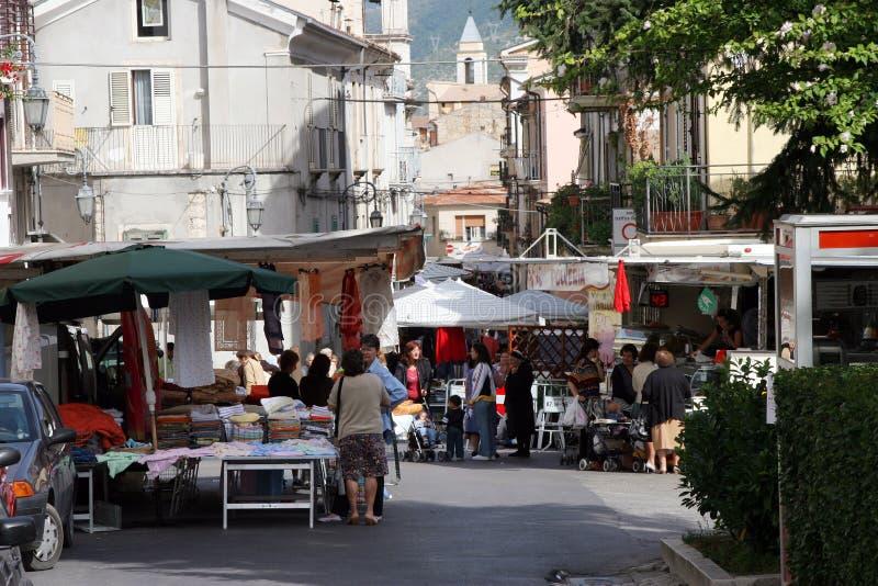 Markt-Tag, Pratola Peligna, Abruzzo, Italien stockbilder