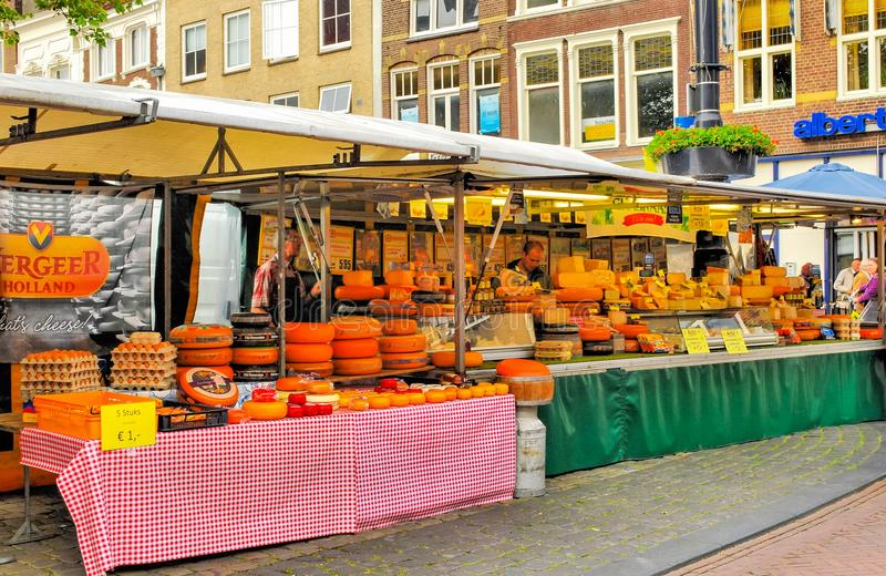 Markt van kazen in het vierkant in de stad van Gauda royalty-vrije stock foto's
