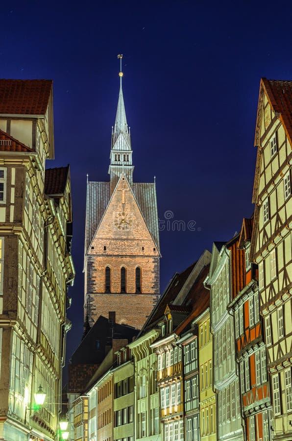 Marktkirche και μισό-εφοδιασμένα με ξύλα σπίτια του Αννόβερου στοκ φωτογραφία με δικαίωμα ελεύθερης χρήσης