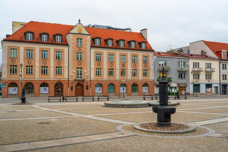 Marktplatz Bia?ystok mit Brunnen, Polen lizenzfreies stockbild