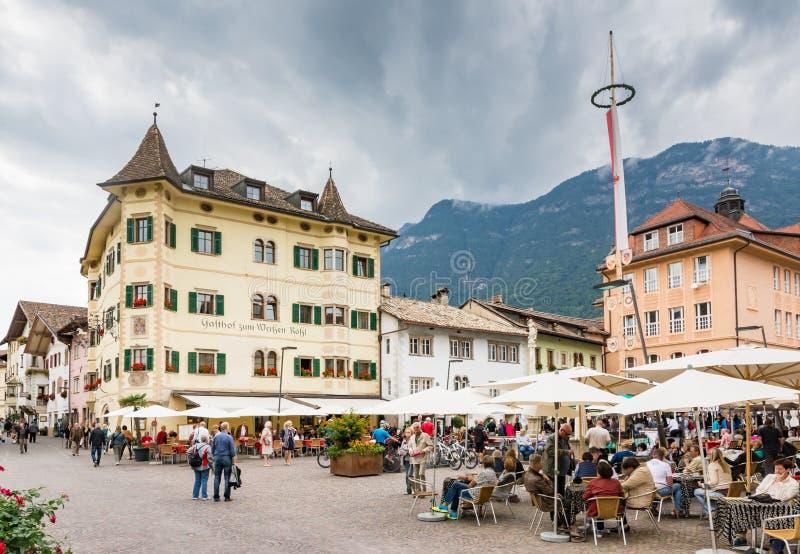 Marktplatz von Kaltern stockbild