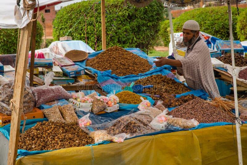Markttribune met noten stock fotografie