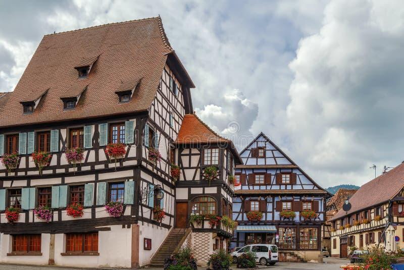 Marktvierkant in dambach-La-Ville, de Elzas, Frankrijk royalty-vrije stock afbeelding