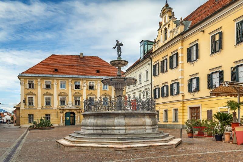 Marktvierkant in Sankt Veit een der Glan, Oostenrijk stock foto's