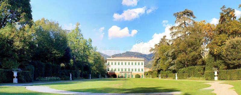 Marlia - вилла Reale - панорама стоковые фото