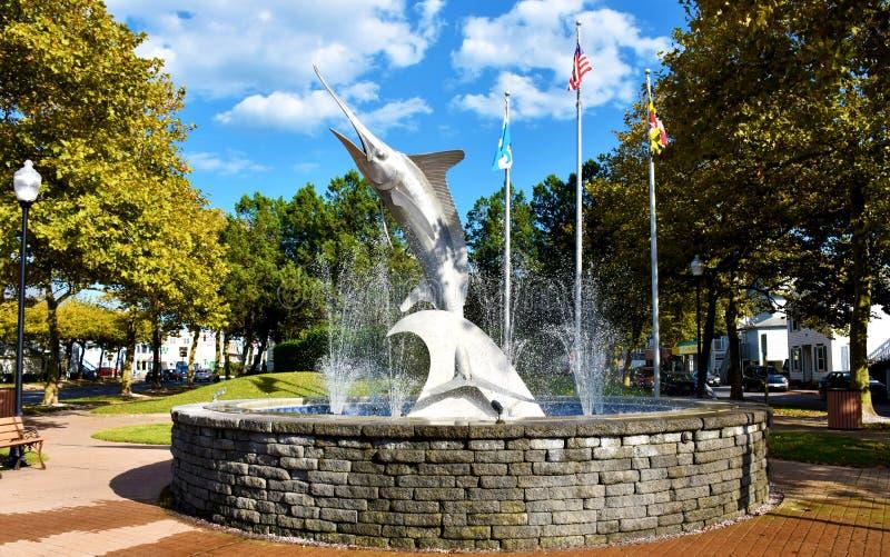 Marlin Sculture and Fountain in Entry Park em Ocean City, Maryland, EUA fotos de stock