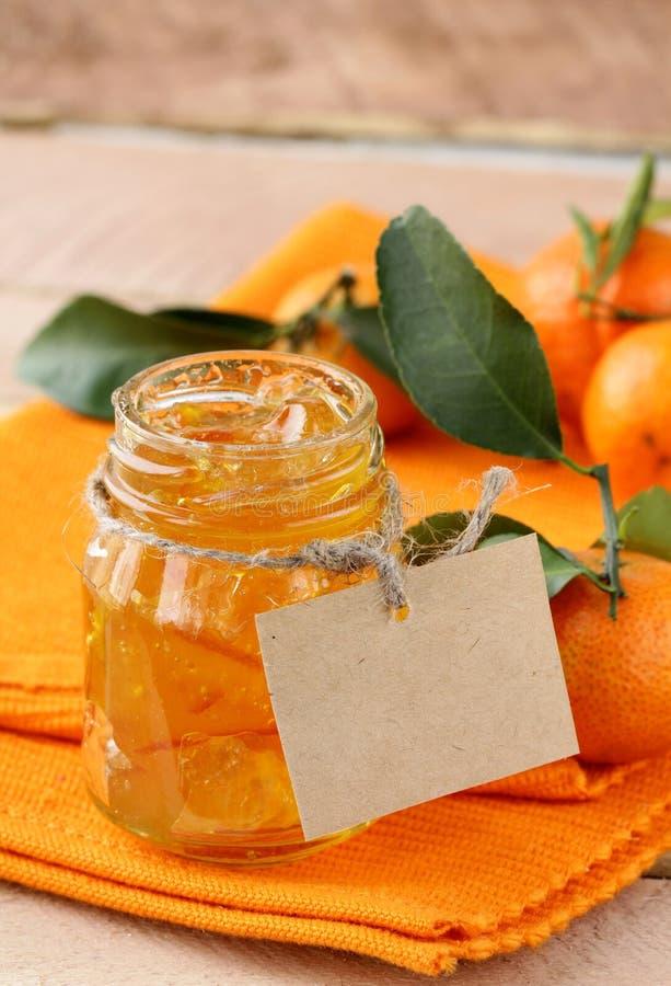 Marmelade fait maison orange de bourrage photographie stock