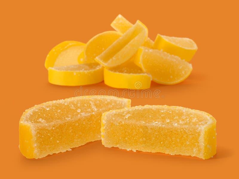 Marmeladsötsaker och i form av citronskivor arkivfoto