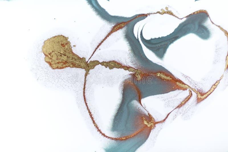 Marmeren abstracte acrylachtergrond Het kunstwerktextuur van de aardmarmering Gouden schitter stock foto