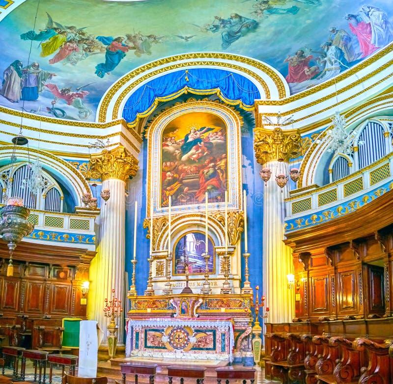 Marmeren altaar van Basiliek van Veronderstellingsrotonde, Mosta stock foto's