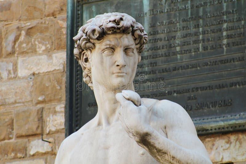 Marmeren beeldhouwwerk van michelangelobuonarotti Italië van David royalty-vrije stock foto