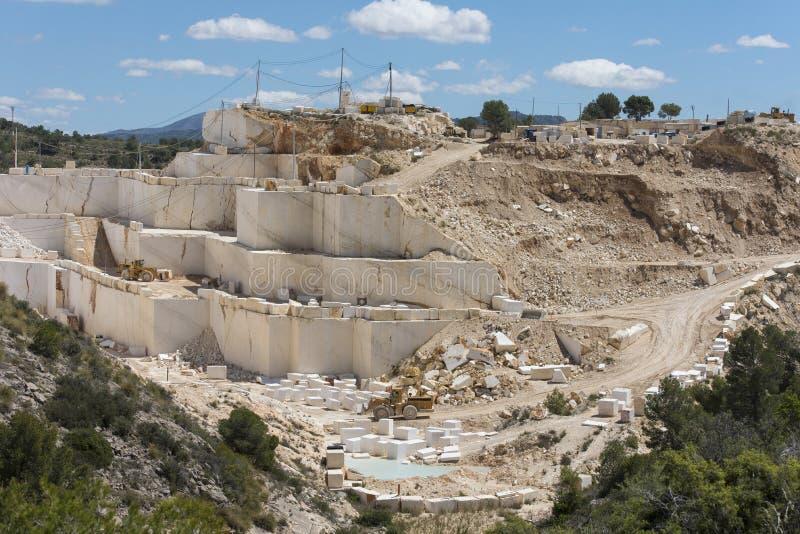 Marmeren mijn in Zuid-Europa stock afbeelding