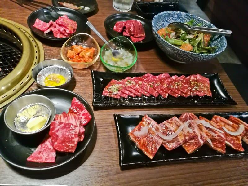 Marmering van diverse premie roosterde de Japanse Wagyu de brandpot van rundvleesyakiniku in Tokyo Japan royalty-vrije stock fotografie
