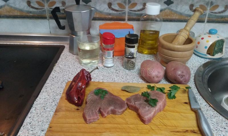 Marmitako przepis dla tuńczyków składników obrazy stock