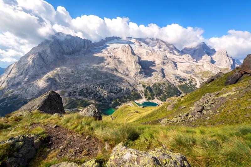 Marmolada glaciär, Dolomites, Italien arkivbilder