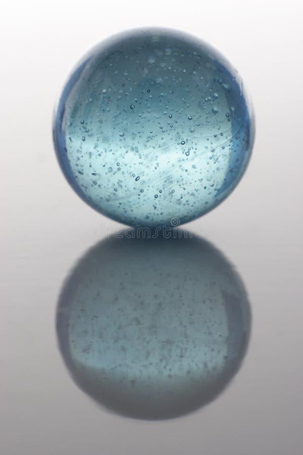 Marmor des blauen Grüns auf gradated Hintergrund stockfoto