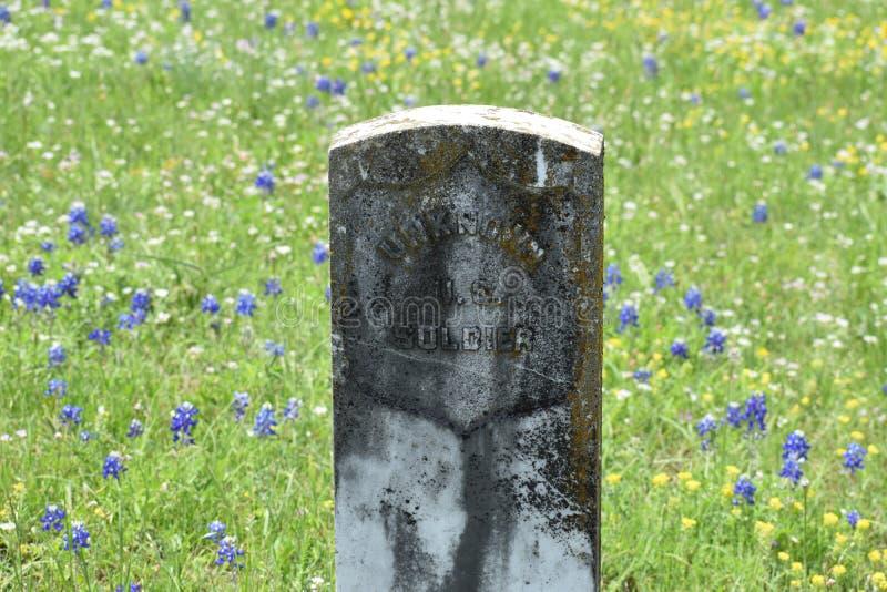 Marmor- Grundstein für einen unbekannten Soldaten in einem Süd-Texas-Kirchhof lizenzfreies stockbild