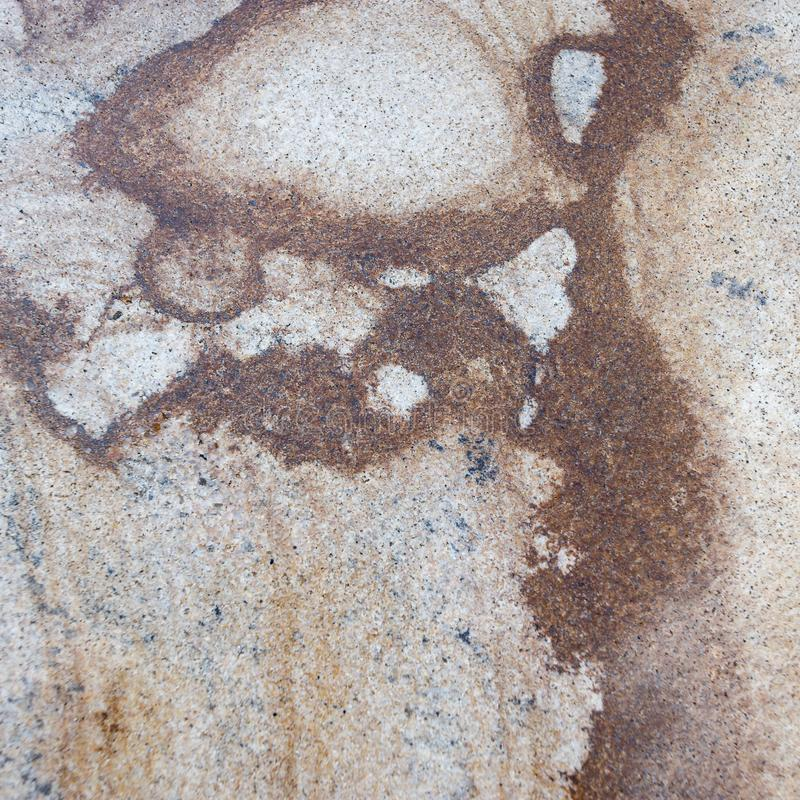 Marmor m?nstrad texturbakgrund f?r design Gammal sten med rik f?rgl?ggning arkivfoton