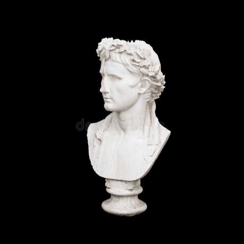 Marmorera huvudet av den unga mannen, gammalgrekiskagudbyst arkivbilder