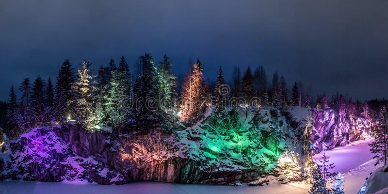 Marmorkanjon i Karelia fotografering för bildbyråer