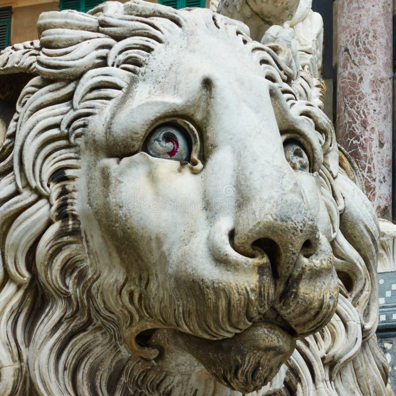 Marmorlejon i Genua royaltyfri fotografi