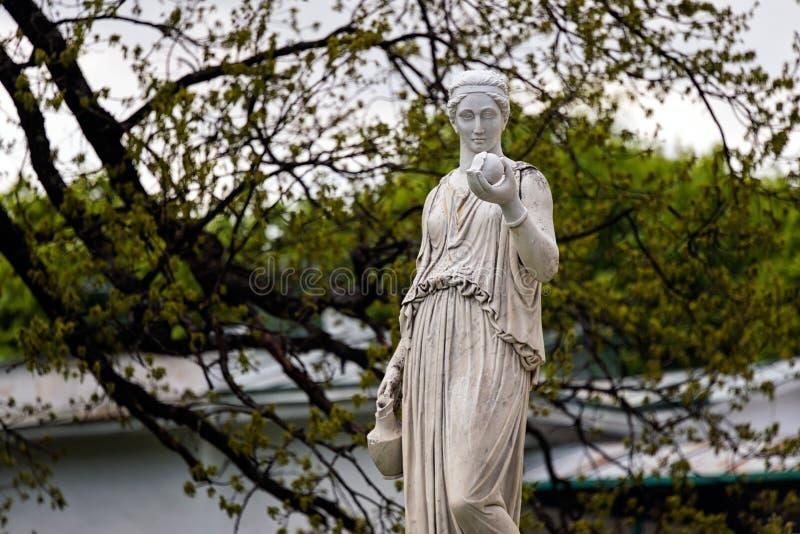 Marmorstaty av den grekiska gudinnan Hera eller fotografering för bildbyråer