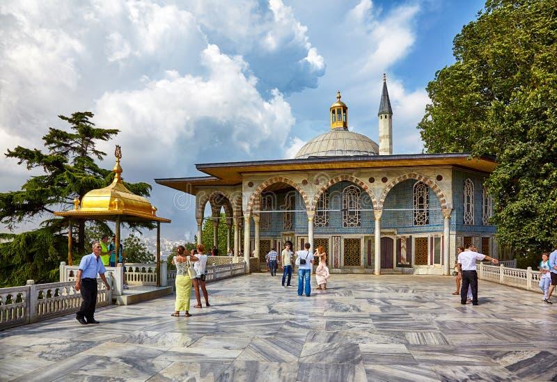 Marmorterrass i den Topkapi slotten, Istanbul royaltyfria foton
