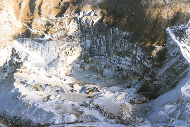 Marmorvillebrådplats i Carrara, Italien royaltyfri foto