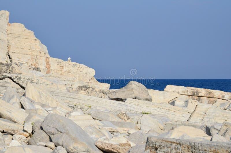 Marmorzenstenar och seascape royaltyfri bild