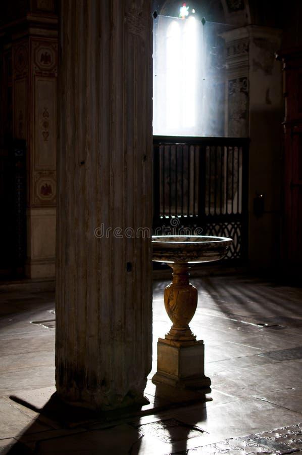 Download Marmurowa Chrzcielna Chrzcielnica Obraz Stock - Obraz złożonej z nadzmysłowy, rome: 28957529