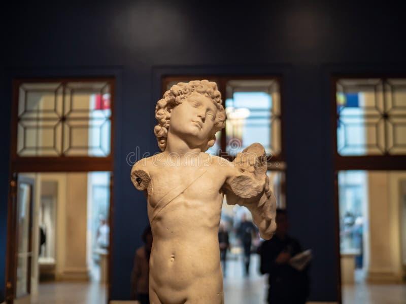 Marmurowa rzeźba amorek z kołczanem produkującym w Włochy Mic zdjęcia royalty free