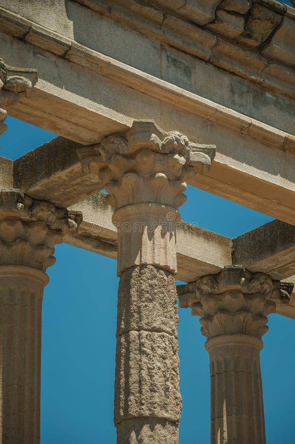 Marmurowe kolumny i architraw w świątyni Diana przy Merida zdjęcia royalty free