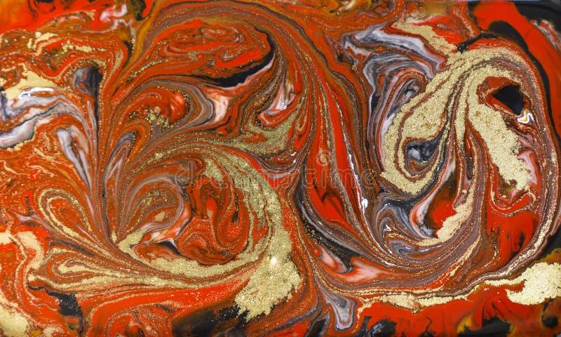 Marmurowy abstrakcjonistyczny akrylowy tło Czerwona marmoryzaci grafiki tekstura Agat czochry wzór Złoto proszek obrazy royalty free