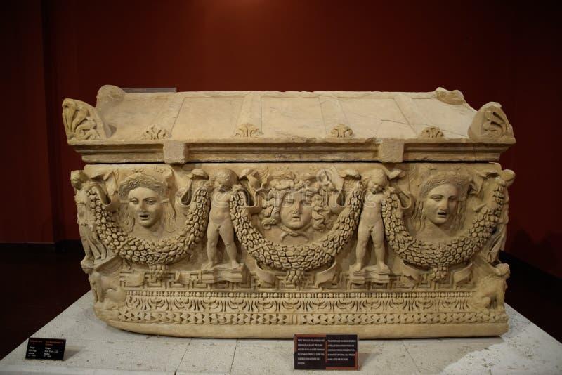 Marmurowy sarkofag Sarkofag od ekskawacji miasto Perge zdjęcia stock