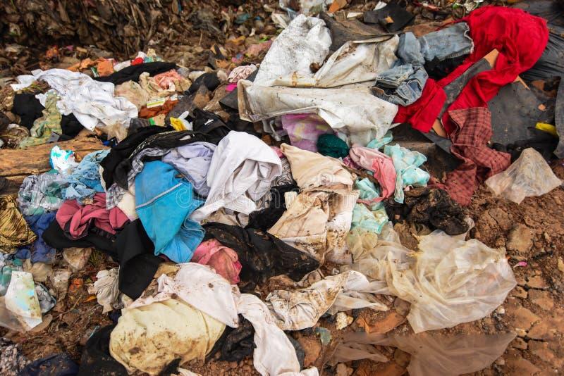 Marnotrawi od śmieci który jest trudny usuwać zdjęcie royalty free