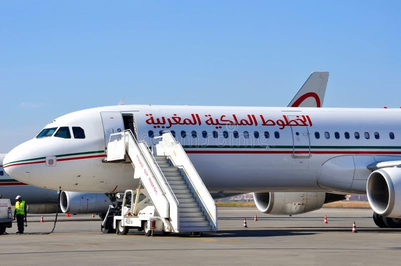 Download Maroc воздушных судн воздуха королевское Редакционное Фото - изображение насчитывающей авиапорты, люди: 18383731