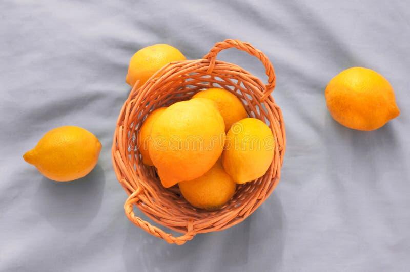 Marockansk citronåtstramning royaltyfria bilder