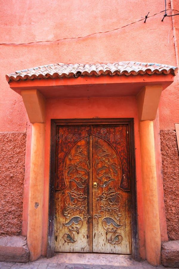 Marockansk dörr royaltyfria bilder