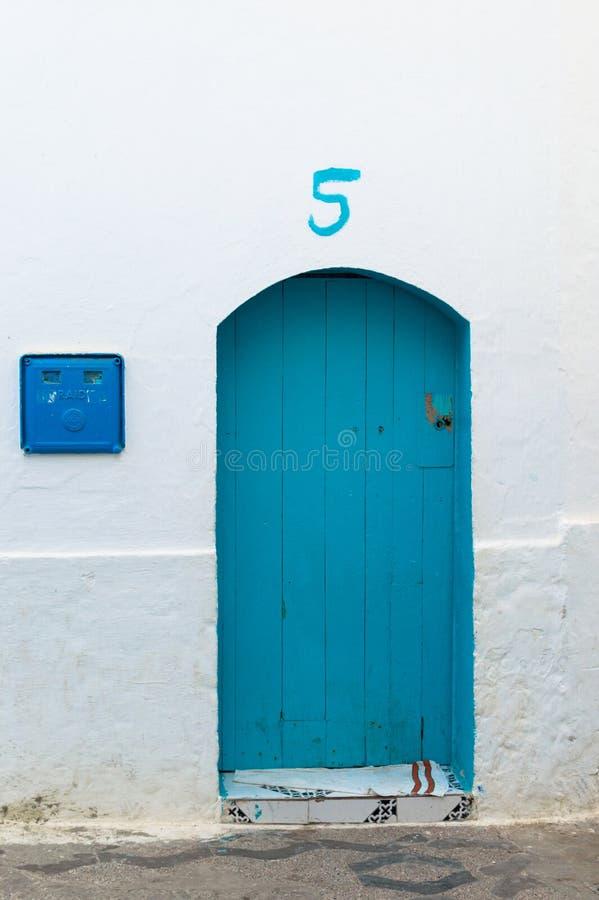 Marockansk husdörr royaltyfri bild
