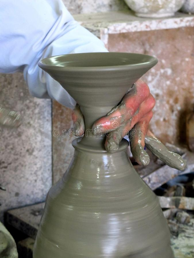 Marockansk keramiker royaltyfri fotografi