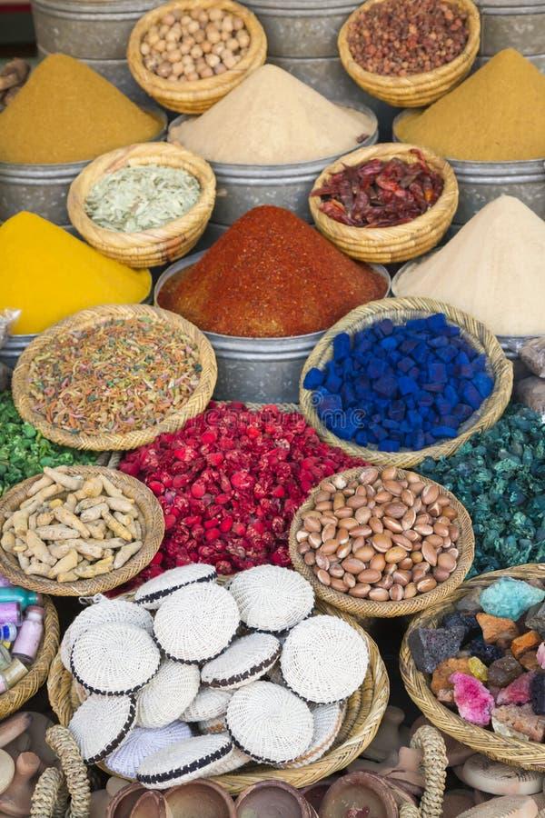 Marockanska kryddor royaltyfri bild