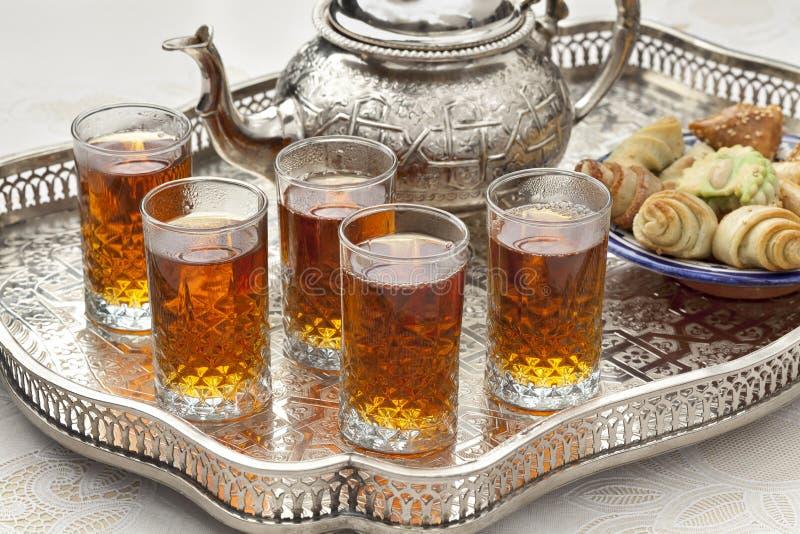 Marockanskt Te Med Kakor Arkivfoton