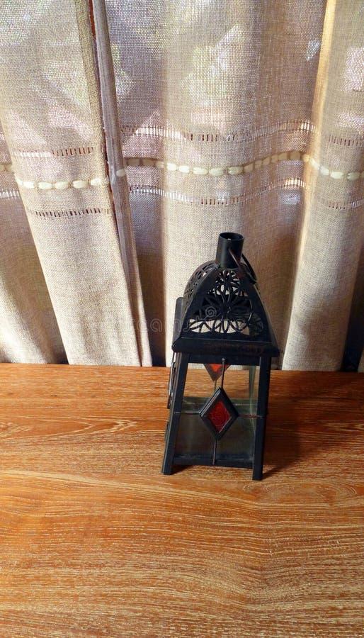 Marokańczyk stylowa szklana lampa, wezgłowie stół fotografia stock