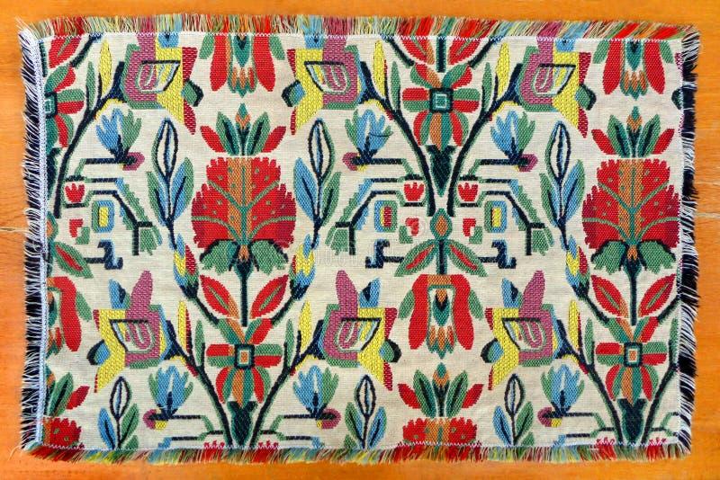 Marokańczyk wyplatający rękodzieło dywanik obrazy royalty free