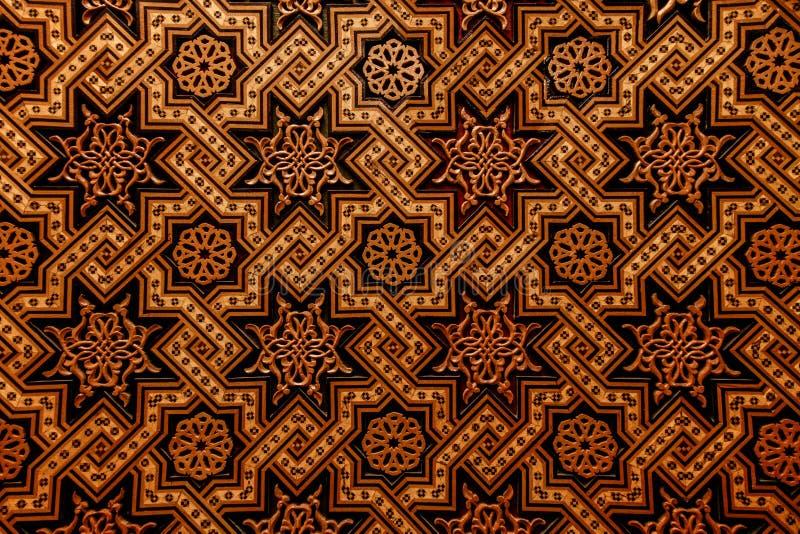 Marokkaanse arabesque gesneden houten muur royalty-vrije stock foto