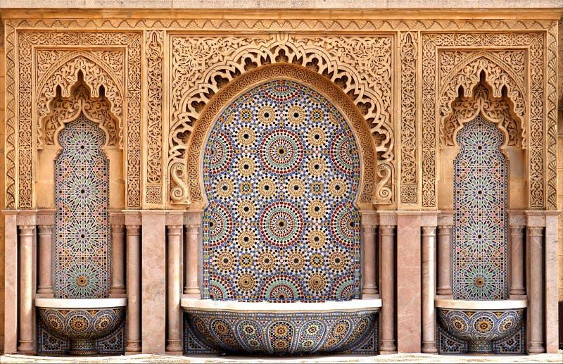 Marokkaanse betegelde fontein royalty-vrije stock foto's