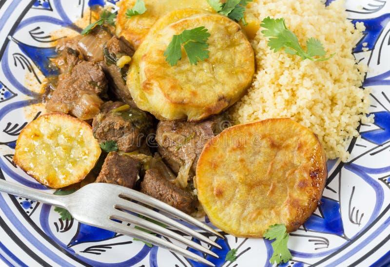 Marokkaanse rundvlees en aardappel stock foto