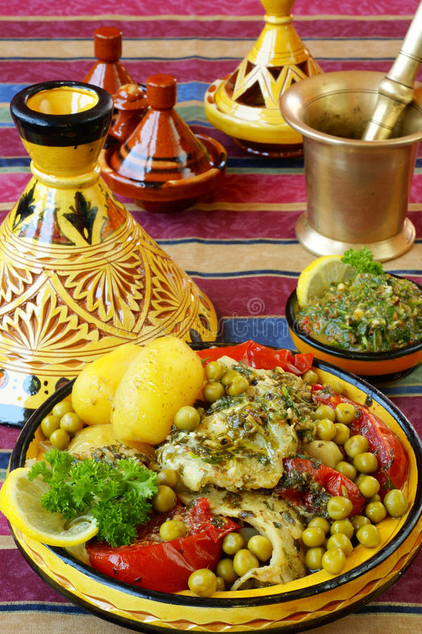 Marokkaanse tajine van chermoulavissen royalty-vrije stock afbeeldingen