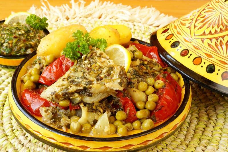 Marokkaanse tajine van chermoulavissen stock afbeelding